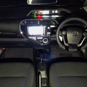 LEDバルブに交換 トヨタ アクア NHP10/NHP10H型 ルームランプ フロント リア 交換作業